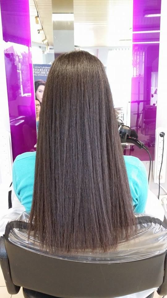 Lissage japonais sur cheveux longs : réalisé grâce aux produits de la marque Yuko System, les lissages japonais effectués au salon Coiffure Christèle préservent la santé du cheveu.