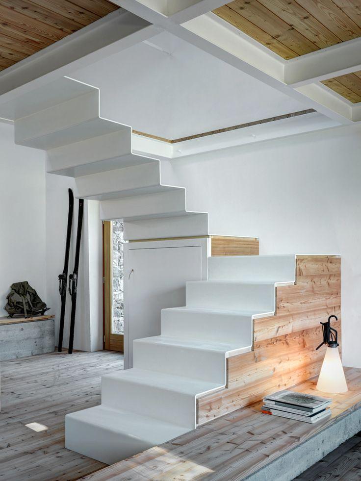 Fragments of architecture: Stone House / Alfredo Vanotti
