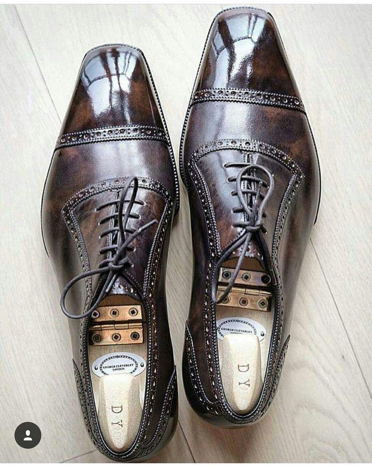 Men's cap toe dress shoes