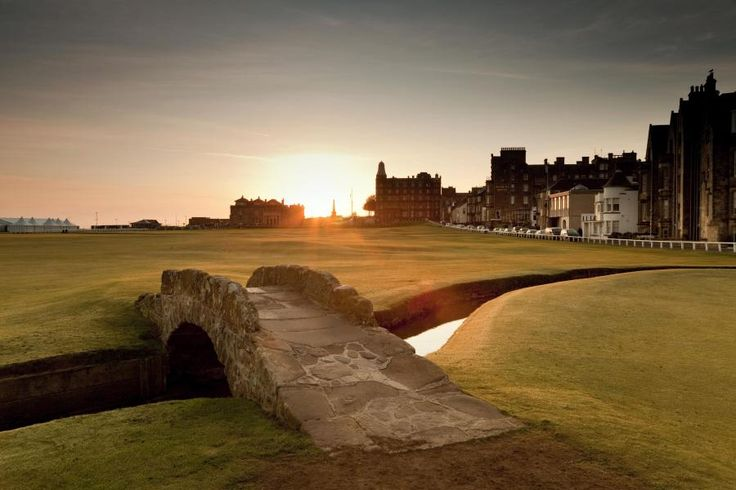 "Enjoy a charming one day tour from Edinburgh at a relaxed pace, with plenty of free time to explore Scotland's home of golf, the ancient town of St. Andrews and the fishing villages of the ""Kingdom of Fife"" with Tourboks."