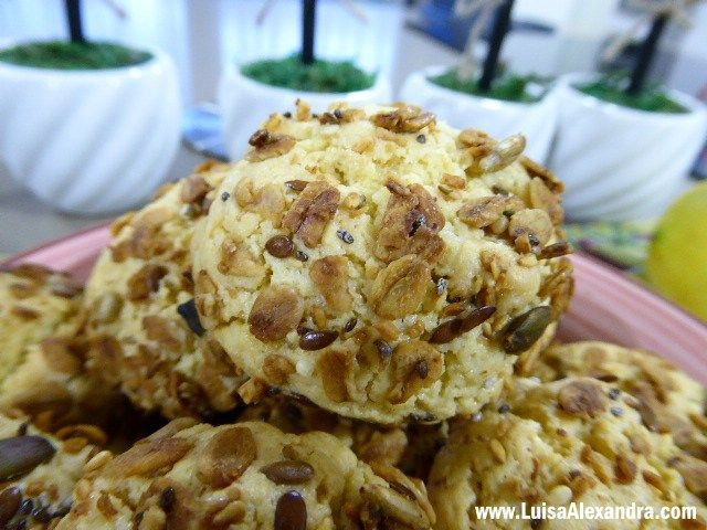 Biscoitos de Azeite, Limao e Granola
