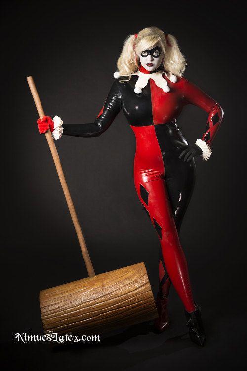 Harley Quinn's finished outfit.  Model, Hair & Make up:  Ai Tenshi Misha, Photo:  Gas Oven Photography,  Hammer Prop:  KerogaForge  #harleyquinn #nimueslatex #cosplay #latexcosplay #batman #harley #classicharley