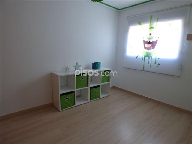Casa adosada en venta en La Marxadella en Parc Central por 257.000 €
