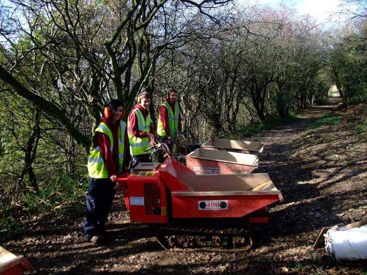 #NorthYorkMoorsNationalPark apprentices helping Rangers to build the new cycle trail at Sutton Bank. Opening soon! #Madebyapprentices