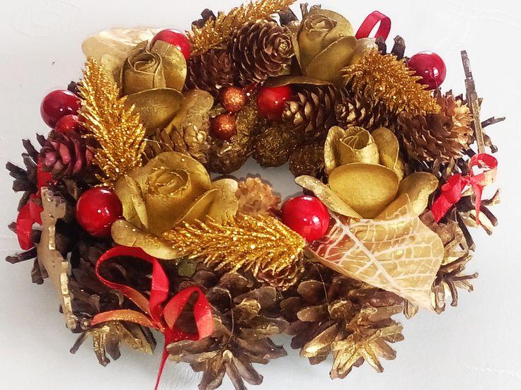 #Christmasdecoration #wreath #pinecone