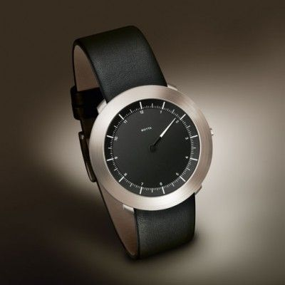 German industrial design agency Botta Design are the creators of the lightweight SOLUS wristwatch.