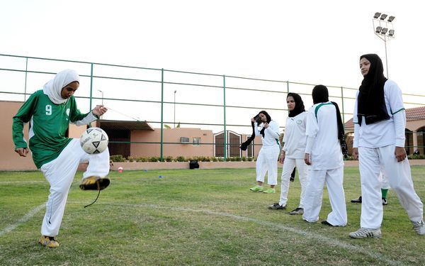 Saudi Arabia has decided to allow its women athletes to compete in the Olympic Games for the first time: Olympics Games, 2012 Olympics, Saudi Female, Athletic Women, Arabia Saudita, Saudi Women, Athletic Challenges, Female Athletic, Saudi Arabia
