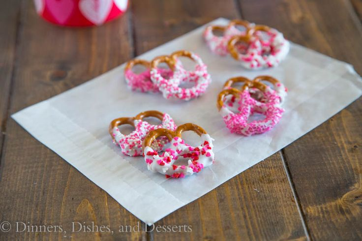 Chocolate Covered Pretzels {Dinners, Dishes, and Desserts}