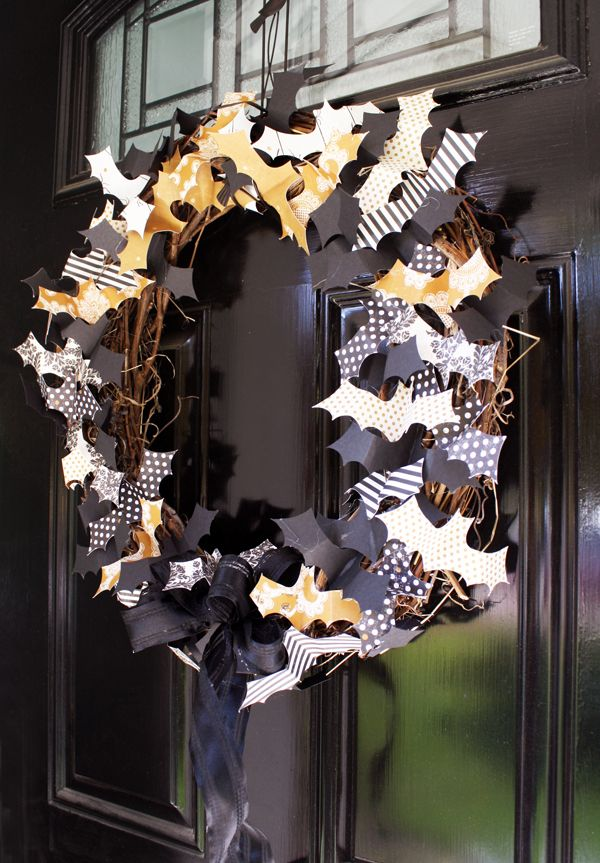 Very cool Halloween wreath, with bat cut-outs made from different patterns of paper.