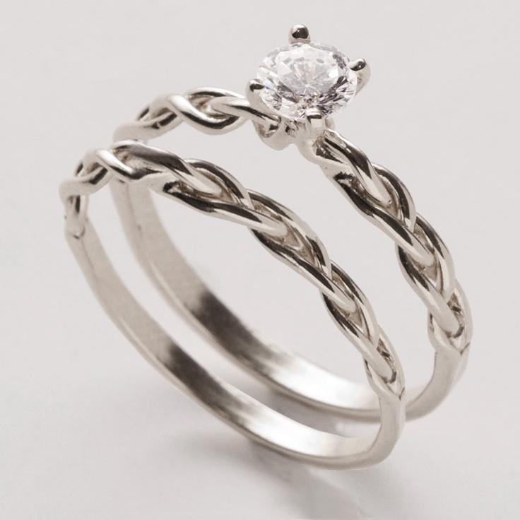 Braided Wedding Ring Set; LOVE this. Someone tell Ken!
