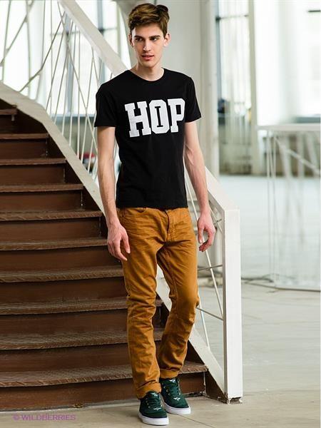 Коричневые джинсы это модно или нет