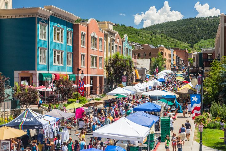 Salt Lake markets are full of fresh Utah grown food, interesting buys, and a buzzing energy that is sure to make any day a good one. Here is our list of the top 10 markets around Salt Lake City that are definitely worth a visit. Downtown Farmers Market The Downtown Farmers Market is a summer...