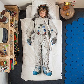 Because what young person doesn't at some point dream of walking the moon, stepping onto Mars? Great Astronaut Duvet and Pillowcase Set - perfect for Christmas and astronauts everywhere.  #Gifts #homedecor #bedroom #boys #girls #bedspreads #ad