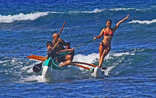 Outrigger canoe surfing with Mel Puu and KIALOA paddle