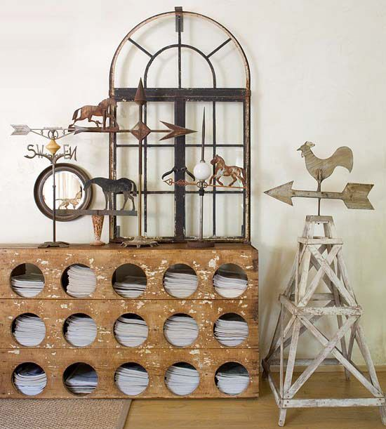 An old chicken coop has never looked better! More flea market chic home accents: http://www.bhg.com/decorating/decorating-style/flea-market/flea-market-chic-home-accents/?socsrc=bhgpin080113chickencoop=29