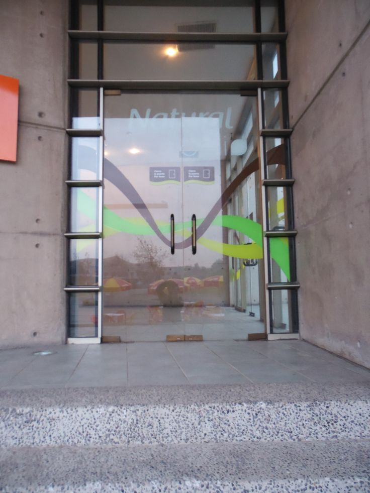 Grafica Puertas de Entrada Cafetería