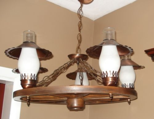 Wagon Wheel Lamp