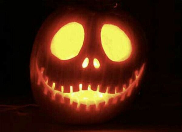 28 best halloween images on pinterest carving pumpkins pumpkin jack skellington now thats a great pumpkin carving idea maxwellsz