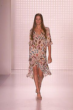 Nicole Miller Spring 2000 Ready to Wear Collection Photos   Vogue