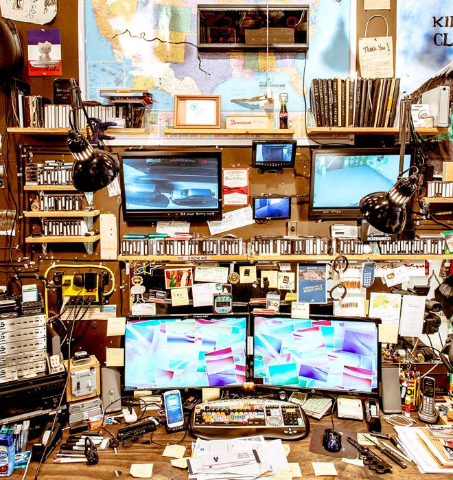 This Guy Has the Most OCD-Lightful #Office You'll Ever See BY JOE BROWN07.16.136:29 AM //  Casey Neistat's bite-size Internet movies have so much viral potential they make influenza jealous. And they all have one thing in common: They're born in the filmmaker's Lower Manhattan #studio, one of the most compulsively organized, ridiculously customized, and mind-bogglingly gear-saturated spaces on Planet Awesome.