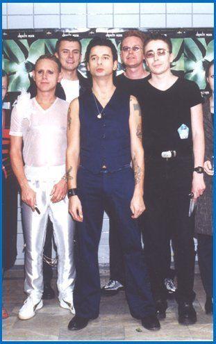Depeche Mode, Exciter Tour (um, Mart....)