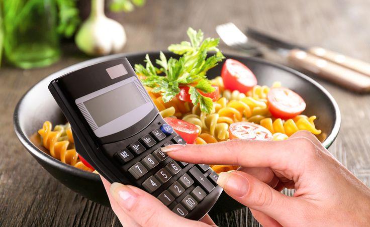 Mensen die willen afvallen gaan vaak veel minder calorieën eten en volgen een zogenaamd crash dieet. Als je de calorie-inname echter te sterk beperkt kan dat tot allerlei gezondheidsproblemen leiden, waaronder een verminderde vruchtbaarheid en zwakkere botten. Dit artikel gaat in op 5 potentieel schadelijke effecten van caloriebeperking en op de vraag hoe je kunt …