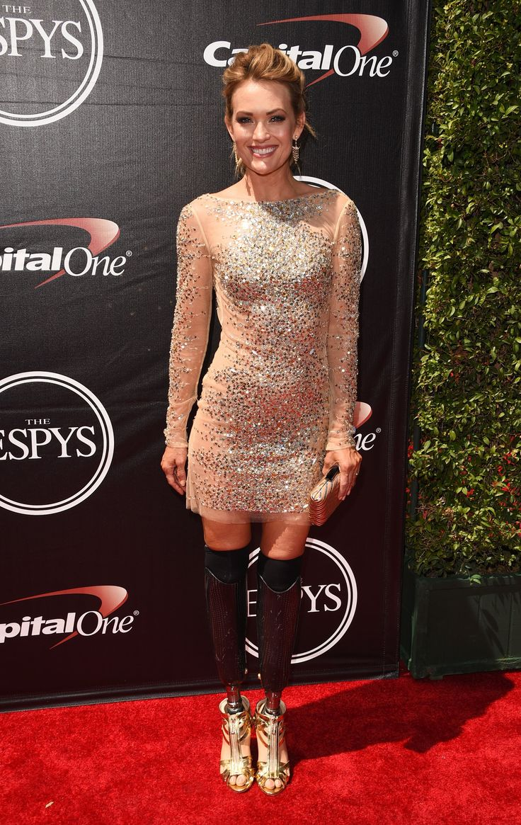 In Versace, Caitlyn Jenner Makes a Statement at the ESPYs - The New York Times