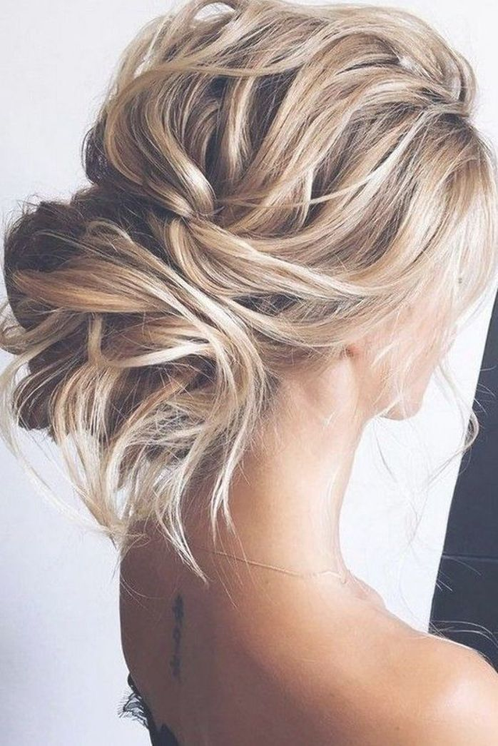Curly Messy Low Bun Wedding Hairstyle Wedding Hairstyles Updo Messy Medium Blonde Hair Hair Styles
