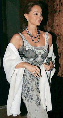 Isabel Preysler, espectacular en la fiesta del año en Mallorca   2005