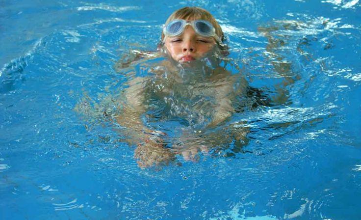 Die besten 25 poolpflege ideen auf pinterest stahlwandpool g nstig schwimmingpool garten und - Pool reinigen hausmittel ...
