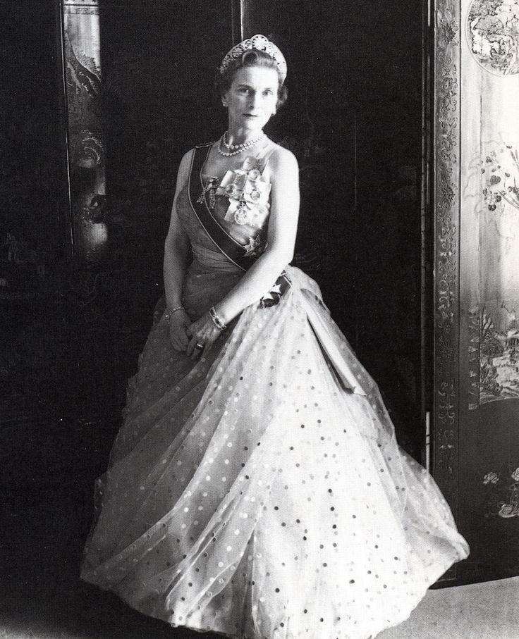 Princess Alice wearing the Family Orders of V