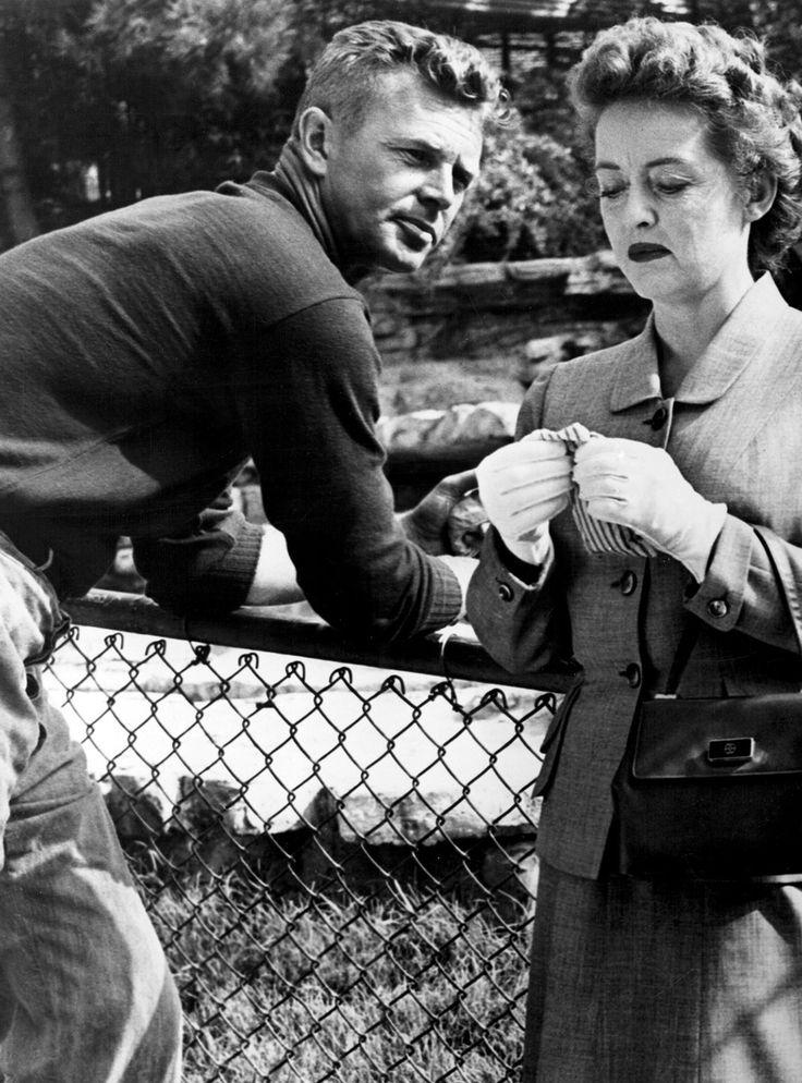 Sterling Hayden gazes at Bette Davis in The Star (1952)