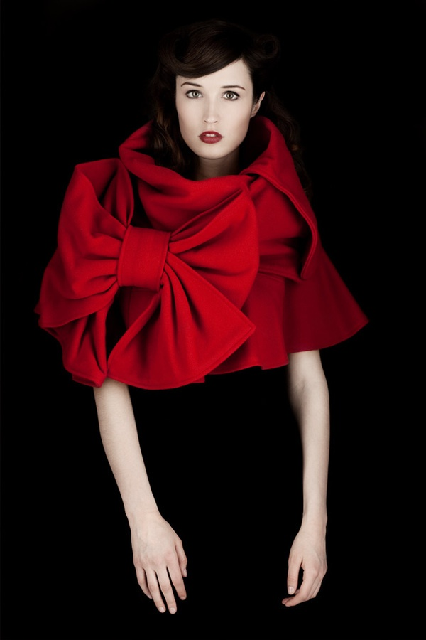 Amazing red bows.  #red bows #fashion #beauty