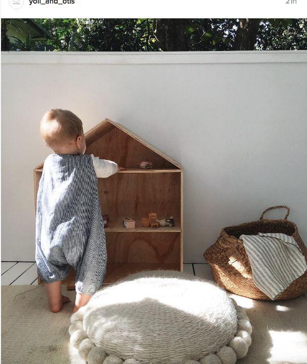 Simple doll house