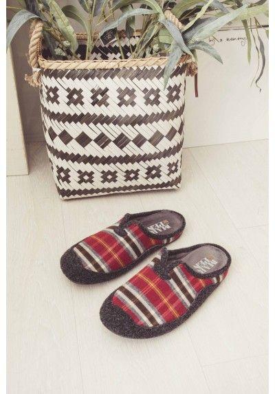 Slipper para hombre de la marca de zapatillas para estar en casa Marpen Slippers. Modelo Scotish.  #slippers #pantufla #zapatilladecasa #homewear
