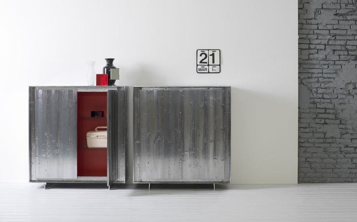"""Contenitore Privacy realizzato in legno con finitura """"Abete cromo"""" , da cm.124x120 ( disponibile in altre misure ). presso= LANGOLO HOME LIVING ."""