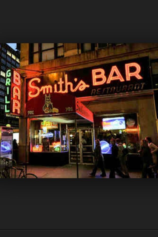 Smiths Bar Hell S Kitchen