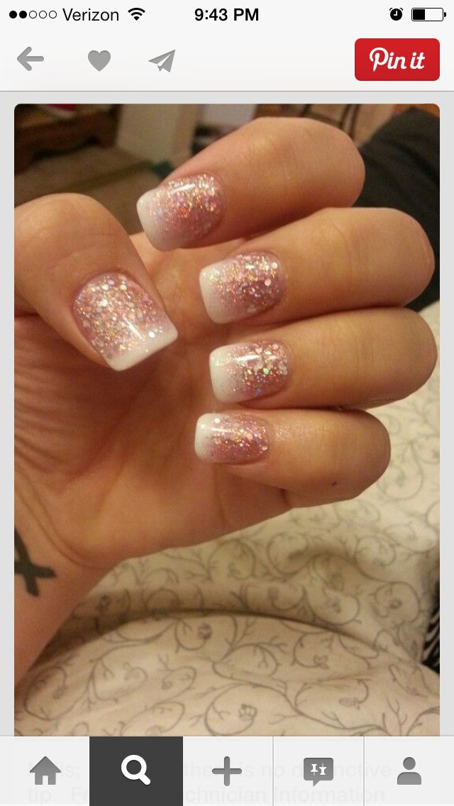 Pretty reverse French nails without distinct tip