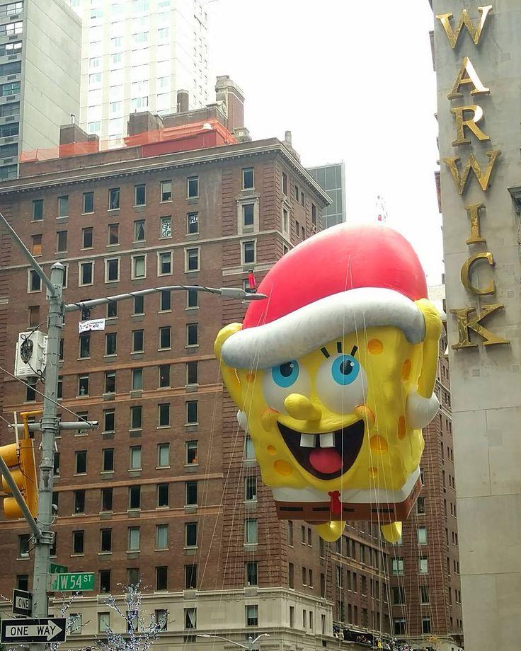 One more #spongebob #balloon #Thanksgiving #parade #NYC #NewYork #WarwickHotel #MidtownEast #holiday