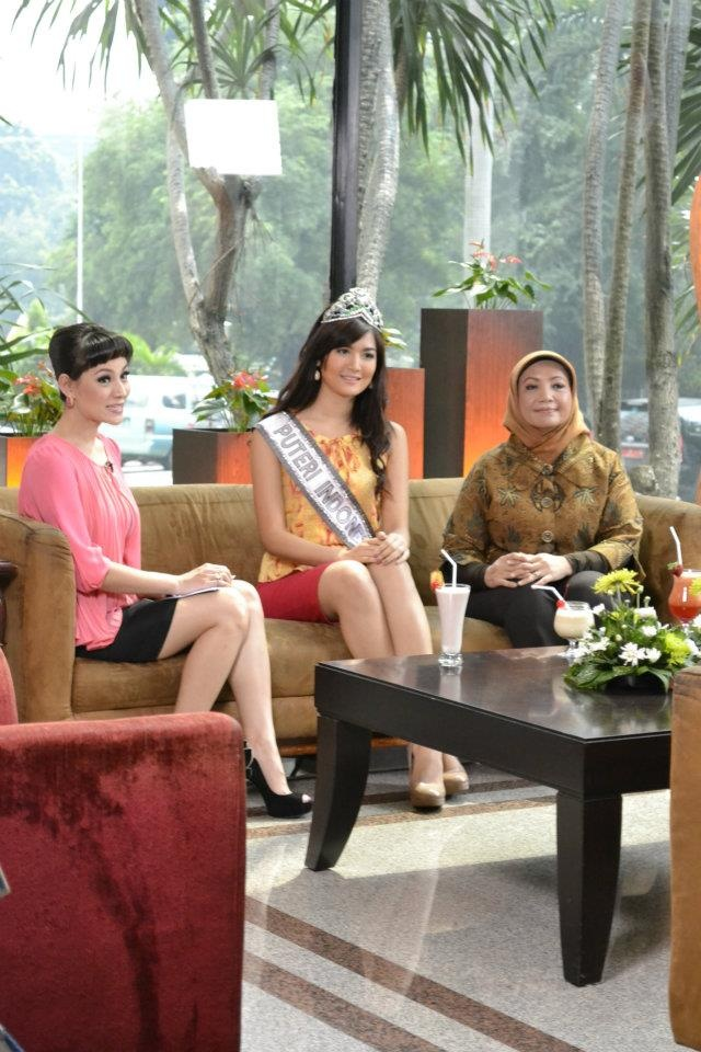 Modern Wedding Bonbonniere Ideas : Putri indonesia selena maria chantal della