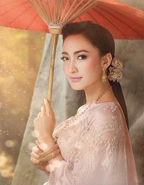 Taew Natapohn modeled for WE Magazine & FINALE Wedding Magazine