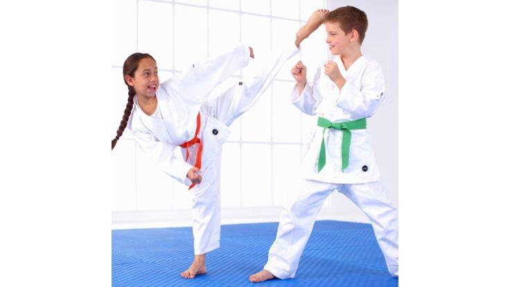 """Ropa De Karate Para Niños. """"Ropa cómoda de karate para niños""""  Cuando en casa tienes niños, siempre debes pensar en actividades lúdicas o deportivas, que sean entre tenidas, es así que el deporte es una de las actividades deportivas en las que puedes poner a tu pequeño hijo, ya que es donde desarrollan sus capacidades físicas y mentales a un nivel y exigencia permanente, donde la disciplina empieza a fomentarse en una....  Ropa De Karate Para Niños. Para ver el artículo completo ingresa a…"""