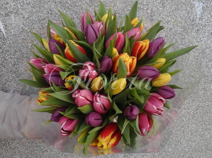 Kytice z 45 tulipánů