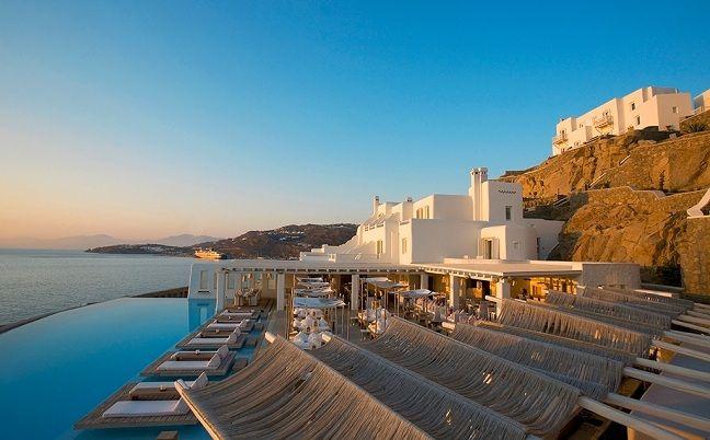 Ποιες είναι οι δύο Ελληνικές πισίνες που βρίσκονται ανάμεσα στις 10 καλύτερες πισίνες του κόσμου; Η κομψότητά τους και η όμορφη αισθητική τους θα σας μαγέψουν!