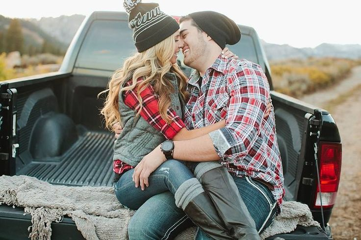 Engagement photo SamiJoPhotography.com but I'm mainly pinning this because her flannel and vest combo is too cute!