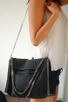 crafts:: stella mccartney bag with metal chain DIY. Just brilliant!    #JewelryInspiration #CousinCorp
