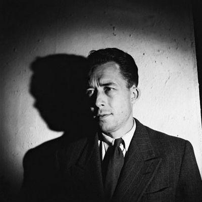 """""""On parle de la douleur de vivre. Mais ce n'est pas vrai, c'est la douleur de ne pas vivre qu'il faut dire."""" - Albert Camus"""