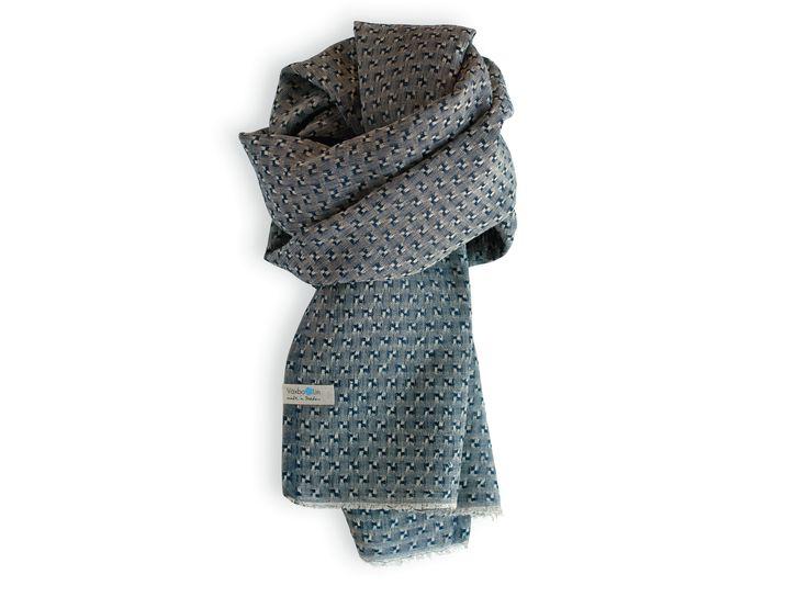 Pure linen shawl in a dark Beautiful indigo colour. Made in Sweden. Unisex.