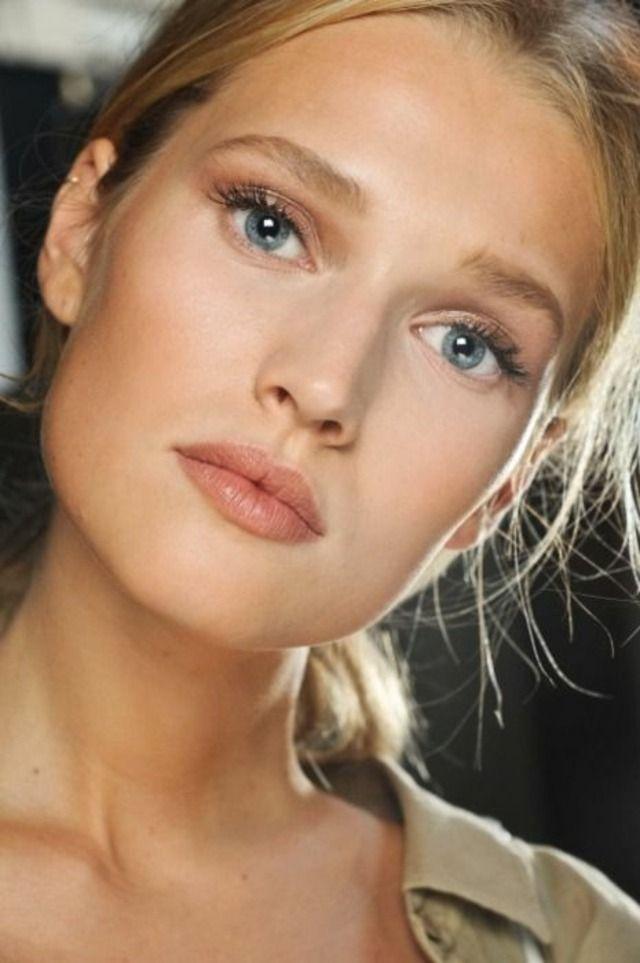maquillage yeux bleus palette de couleurs rouge à lèvres chanel lancôme paris