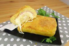 Il rotolo di patate è una ricetta facile e veloce, con cui sarete sicuri di accontentare tutti. Perfetto per una cena sfiziosa e saporita, è ottimo gustato sia freddo che caldo!  GLI INGREDIENTI 800g di patate lesse 1 cucchiaio di pangrattato 1 uovo 60g di parmigiano 30g di burro prezzemolo sale pepe  Per farcire: 200g di prosciutto cotto 200g di provola  LA PREPARAZIONE Lessate le patate, schiacciate e aggiungete l'uovo, il parmigiano, il sale, il pepe e il prezzemolo. Successivamente a...